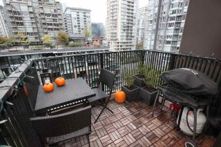 """Photo 15: 1106 1055 HOMER Street in Vancouver: Yaletown Condo for sale in """"DOMUS"""" (Vancouver West)  : MLS®# R2518319"""