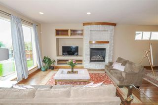 Photo 12: 11 Autumnview Drive in Winnipeg: South Pointe Residential for sale (1R)  : MLS®# 202118163