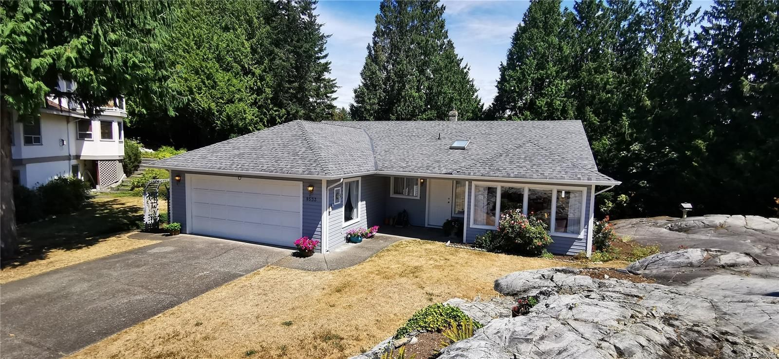 Main Photo: 8533 Tribune Terr in : NS Dean Park House for sale (North Saanich)  : MLS®# 881684