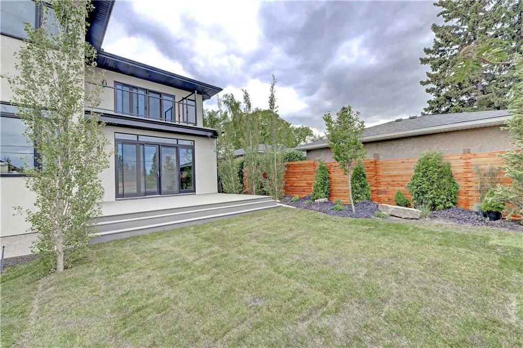 Photo 36: Photos: 24 LORNE Place SW in Calgary: North Glenmore Park Detached for sale : MLS®# C4225479