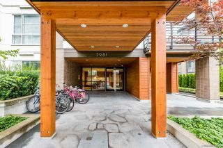"""Photo 3: PH7 5981 GRAY Avenue in Vancouver: University VW Condo for sale in """"SAIL"""" (Vancouver West)  : MLS®# R2532965"""