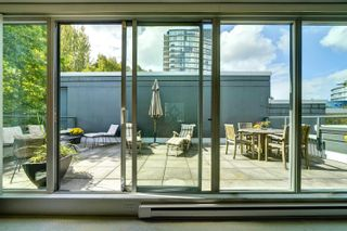 """Photo 21: 1421 W 7TH Avenue in Vancouver: Fairview VW Townhouse for sale in """"Siena of Portico"""" (Vancouver West)  : MLS®# R2624538"""