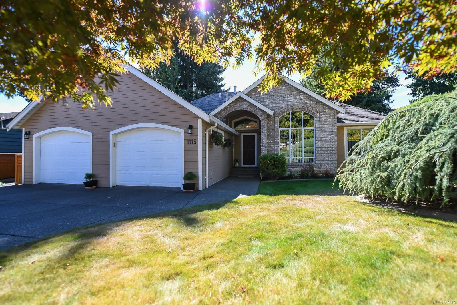 Main Photo: 1115 Evergreen Ave in : CV Courtenay East House for sale (Comox Valley)  : MLS®# 885875