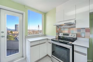 """Photo 8: 700 328 CLARKSON Street in New Westminster: Downtown NW Condo for sale in """"HIGHOURNE TOWER"""" : MLS®# R2544152"""