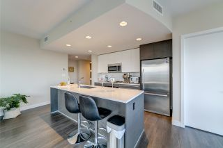 "Photo 2: 3702 2008 ROSSER Avenue in Burnaby: Brentwood Park Condo for sale in ""Stratus at Solo District"" (Burnaby North)  : MLS®# R2426460"