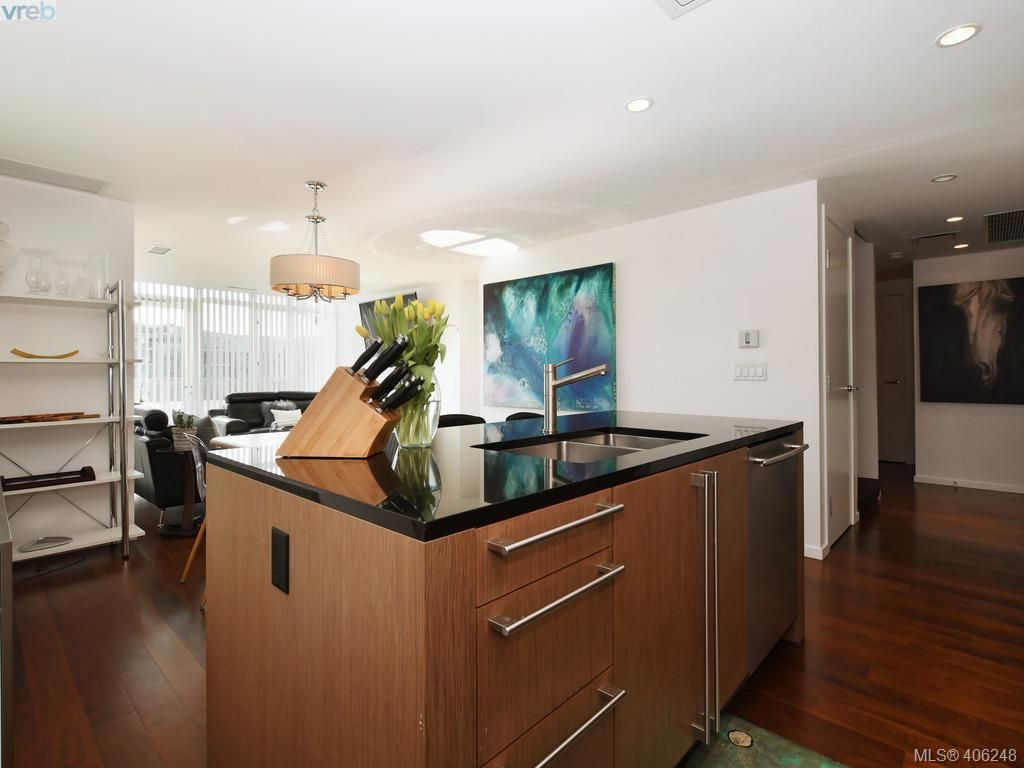 Photo 10: Photos: TH3 100 Saghalie Rd in VICTORIA: VW Songhees Row/Townhouse for sale (Victoria West)  : MLS®# 807394