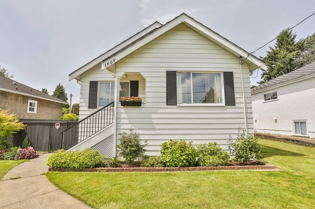 Main Photo: 1609 London Street in New Westminster: West End NW House for sale
