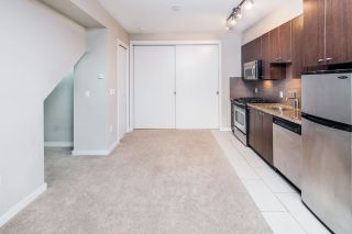 """Photo 9: 17 1863 WESBROOK Mall in Vancouver: University VW Townhouse for sale in """"ESSE"""" (Vancouver West)  : MLS®# R2341458"""