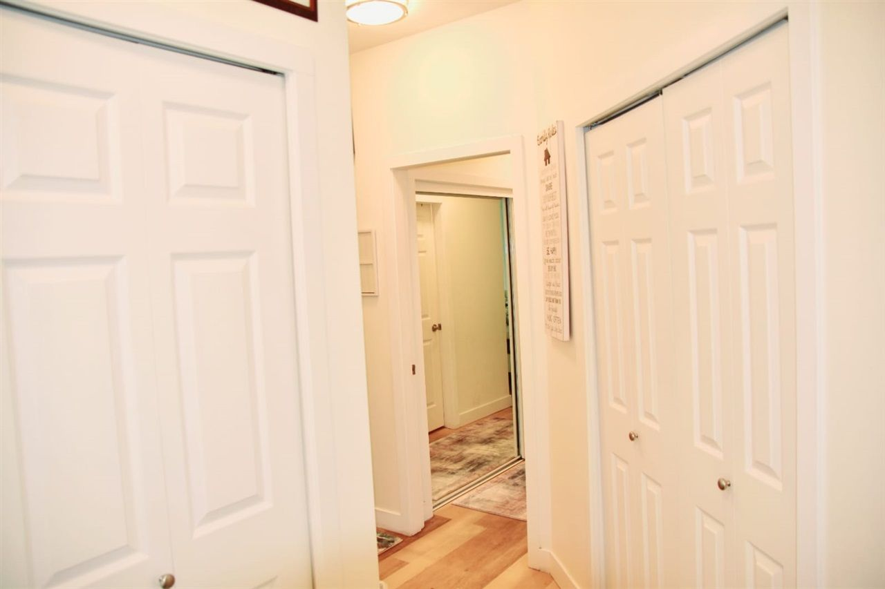 """Photo 5: Photos: 217 8142 120A Street in Surrey: Queen Mary Park Surrey Condo for sale in """"Sterling Court"""" : MLS®# R2539103"""