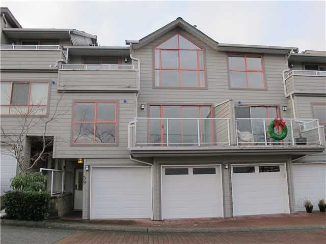 """Main Photo: 59 323 GOVERNORS Court in New Westminster: Fraserview NW Townhouse for sale in """"FRASERVIEW"""" : MLS®# V1038870"""