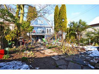 """Photo 12: 918 E 10TH Avenue in Vancouver: Mount Pleasant VE House for sale in """"MOUNT PLEASANT"""" (Vancouver East)  : MLS®# V1050039"""