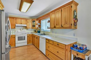 """Photo 7: 17359 58 Avenue in Surrey: Cloverdale BC House for sale in """"CLOVERDALE"""" (Cloverdale)  : MLS®# R2550823"""