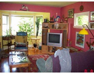 "Photo 2: 24578 54TH Avenue in Langley: Salmon River House for sale in ""ALDERGROVE"" : MLS®# F2910891"
