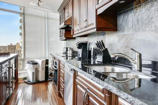 """Photo 5: 2301 1200 ALBERNI Street in Vancouver: West End VW Condo for sale in """"PALISADES"""" (Vancouver West)  : MLS®# R2605093"""