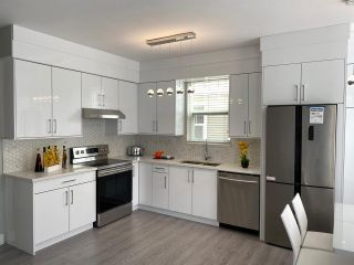 "Photo 6: 15 6518 121 Street in Surrey: West Newton Townhouse for sale in ""Hatfield Park Estates"" : MLS®# R2466250"