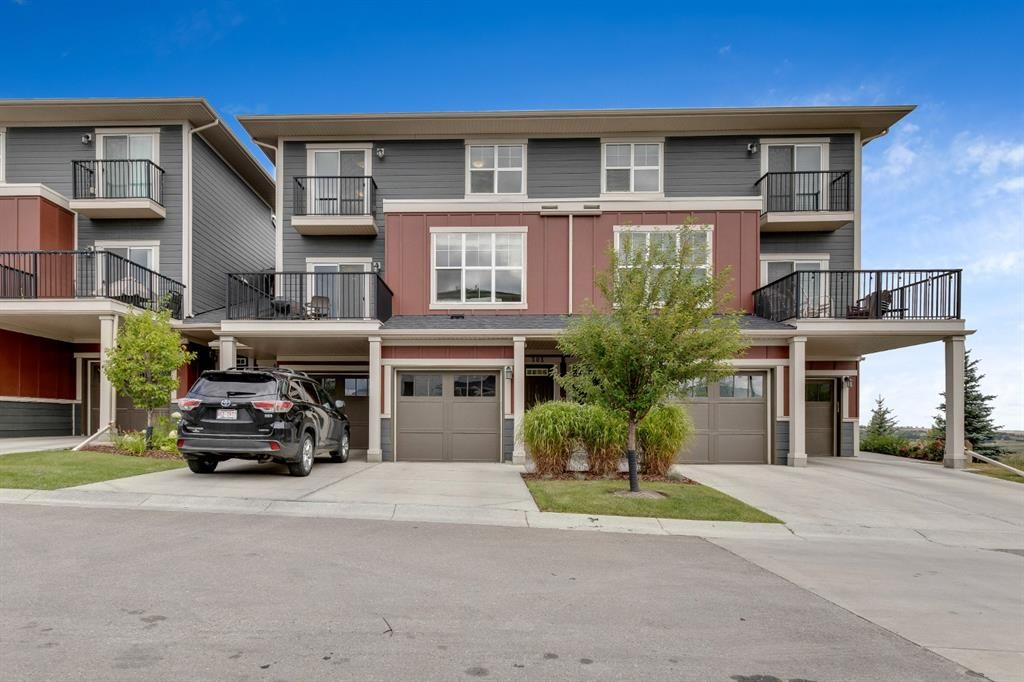 Main Photo: 303 428 Nolan Hill Drive NW in Calgary: Nolan Hill Row/Townhouse for sale : MLS®# A1141583