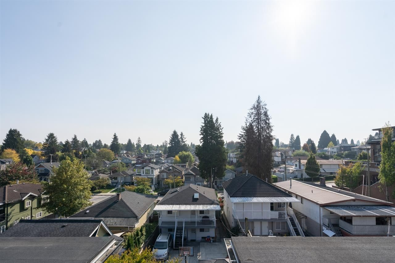 "Main Photo: 416 738 E 29TH Avenue in Vancouver: Fraser VE Condo for sale in ""Century"" (Vancouver East)  : MLS®# R2505440"