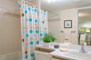 """Photo 14: 201 106 W KINGS Road in North Vancouver: Upper Lonsdale Condo for sale in """"Kings Court"""" : MLS®# R2214893"""