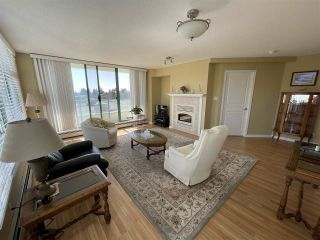 """Photo 1: 303 15466 NORTH BLUFF Road: White Rock Condo for sale in """"THE SUMMIT"""" (South Surrey White Rock)  : MLS®# R2557297"""