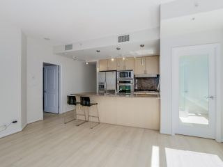 """Photo 5: 803 1211 MELVILLE Street in Vancouver: Coal Harbour Condo for sale in """"The Ritz"""" (Vancouver West)  : MLS®# R2084525"""