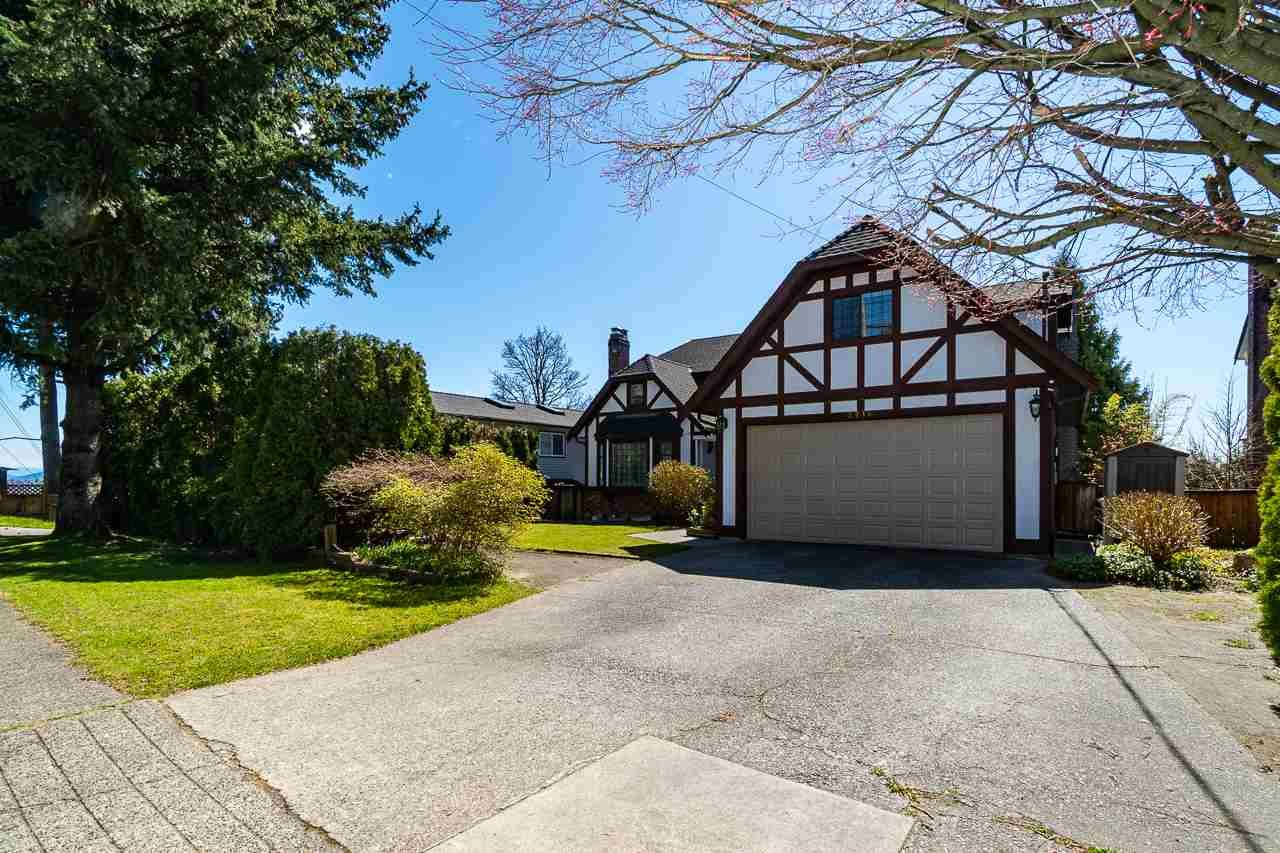 Main Photo: 2214 DAWES HILL Road in Coquitlam: Cape Horn House for sale : MLS®# R2566880