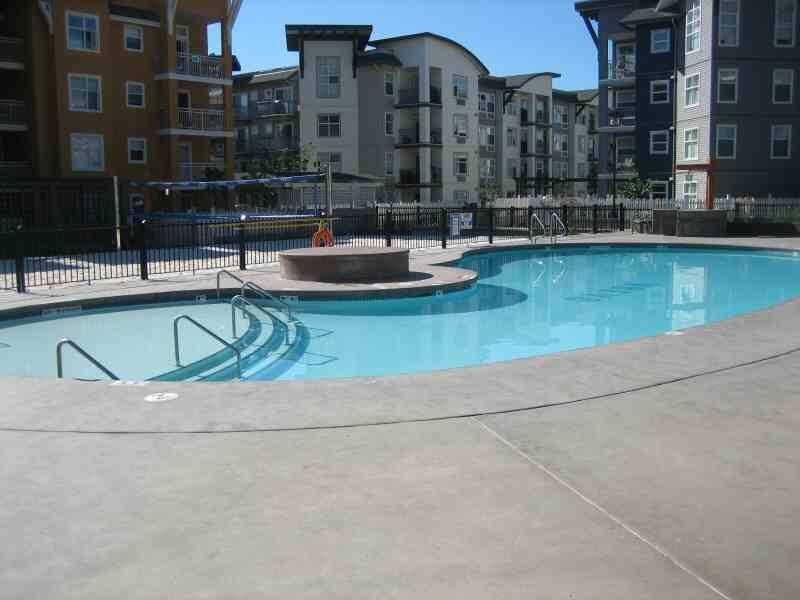 Main Photo: 416 547 Yates Road in Kelowna: Apartment Unit for sale (North Glenmore)  : MLS®# 9197699
