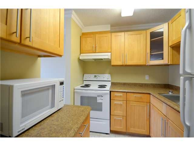 Main Photo: 212 6340 BUSWELL STREET in Richmond: Brighouse Condo for sale : MLS®# R2202912