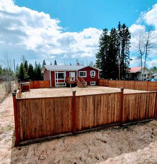 """Photo 2: 5685 BENDIXON Road in Prince George: Pineview House for sale in """"PINEVIEW"""" (PG Rural South (Zone 78))  : MLS®# R2574911"""
