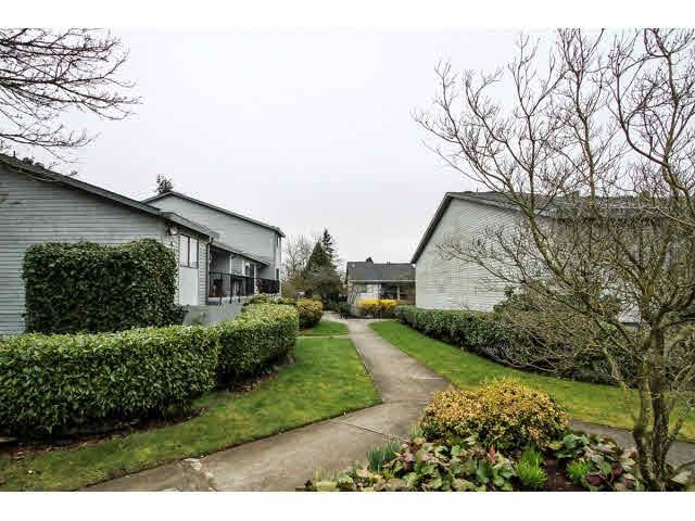 """Main Photo: 12 7549 HUMPHRIES Court in Burnaby: Edmonds BE Townhouse for sale in """"SOUTHWOOD COURT"""" (Burnaby East)  : MLS®# V1108085"""
