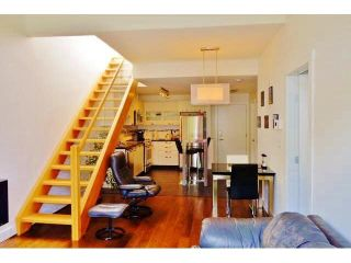 Photo 4: 402 7418 BYRNEPARK WALK in Burnaby: South Slope Condo for sale (Burnaby South)  : MLS®# R2053115