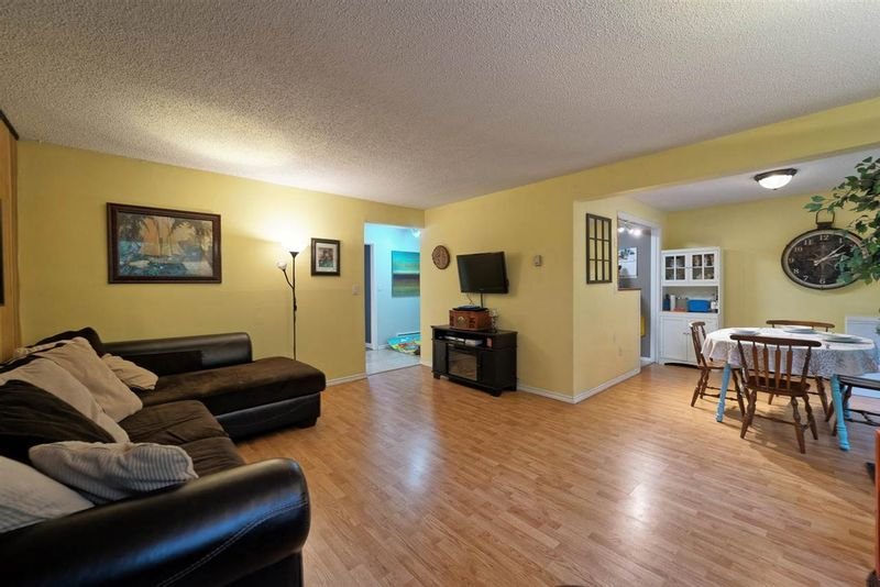 FEATURED LISTING: 859 WESTVIEW Crescent North Vancouver