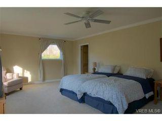 Photo 17: 2627 Killarney Rd in VICTORIA: SE Cadboro Bay House for sale (Saanich East)  : MLS®# 689454