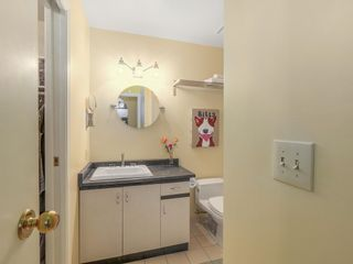 """Photo 8: 207 1924 COMOX Street in Vancouver: West End VW Condo for sale in """"WINDGATE BY THE PARK"""" (Vancouver West)  : MLS®# R2109767"""