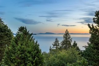 Main Photo: 13910 TERRY Road: White Rock House for sale (South Surrey White Rock)  : MLS®# R2620749