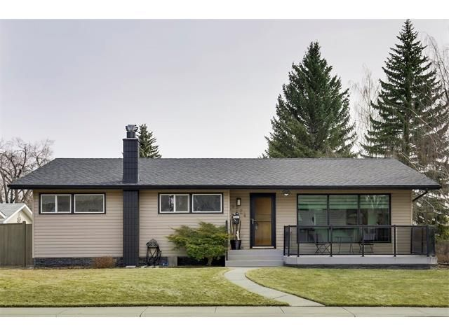 Main Photo: LONGMOOR WY SW in Calgary: Lakeview House for sale