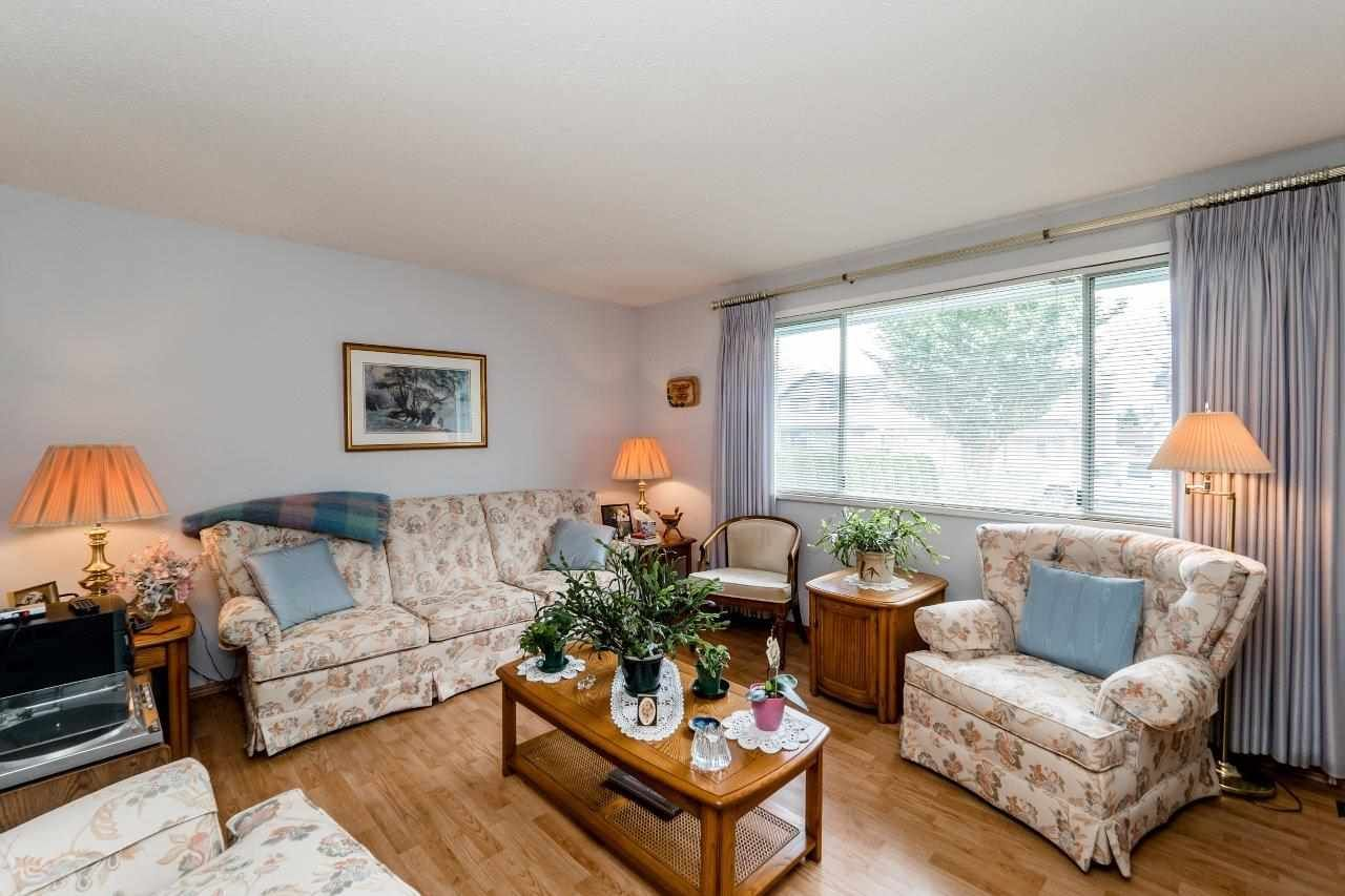 Photo 3: Photos: 442 E 16TH Street in North Vancouver: Central Lonsdale House for sale : MLS®# R2090162