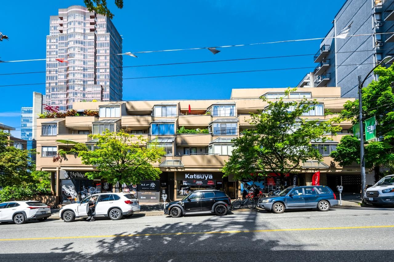 Main Photo: 407 1455 ROBSON Street in Vancouver: West End VW Condo for sale (Vancouver West)  : MLS®# R2609998
