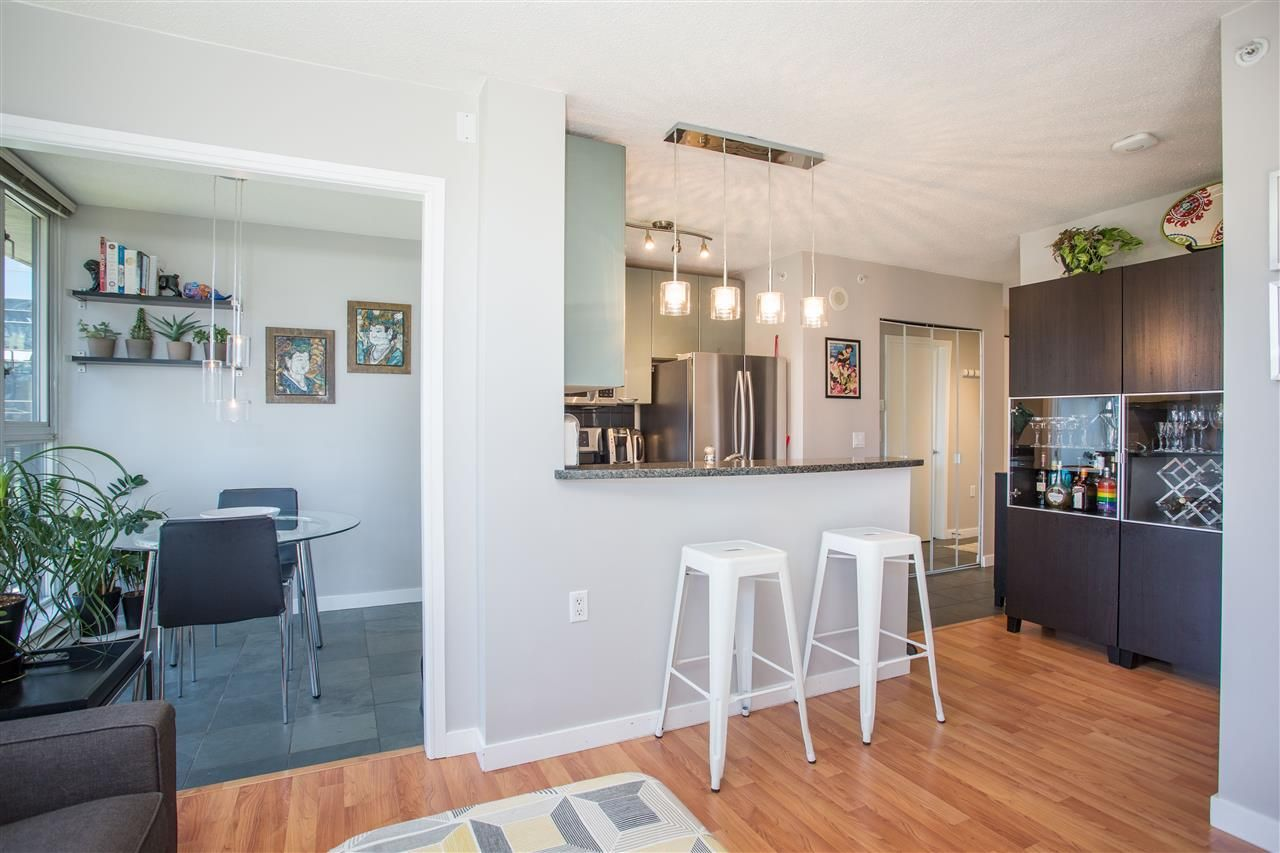 """Photo 7: Photos: 1008 1068 HORNBY Street in Vancouver: Downtown VW Condo for sale in """"The Canadian"""" (Vancouver West)  : MLS®# R2389948"""