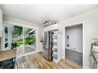 Photo 9: 6112 E GREENSIDE DRIVE in Surrey: Cloverdale BC Townhouse for sale (Cloverdale)  : MLS®# R2403144
