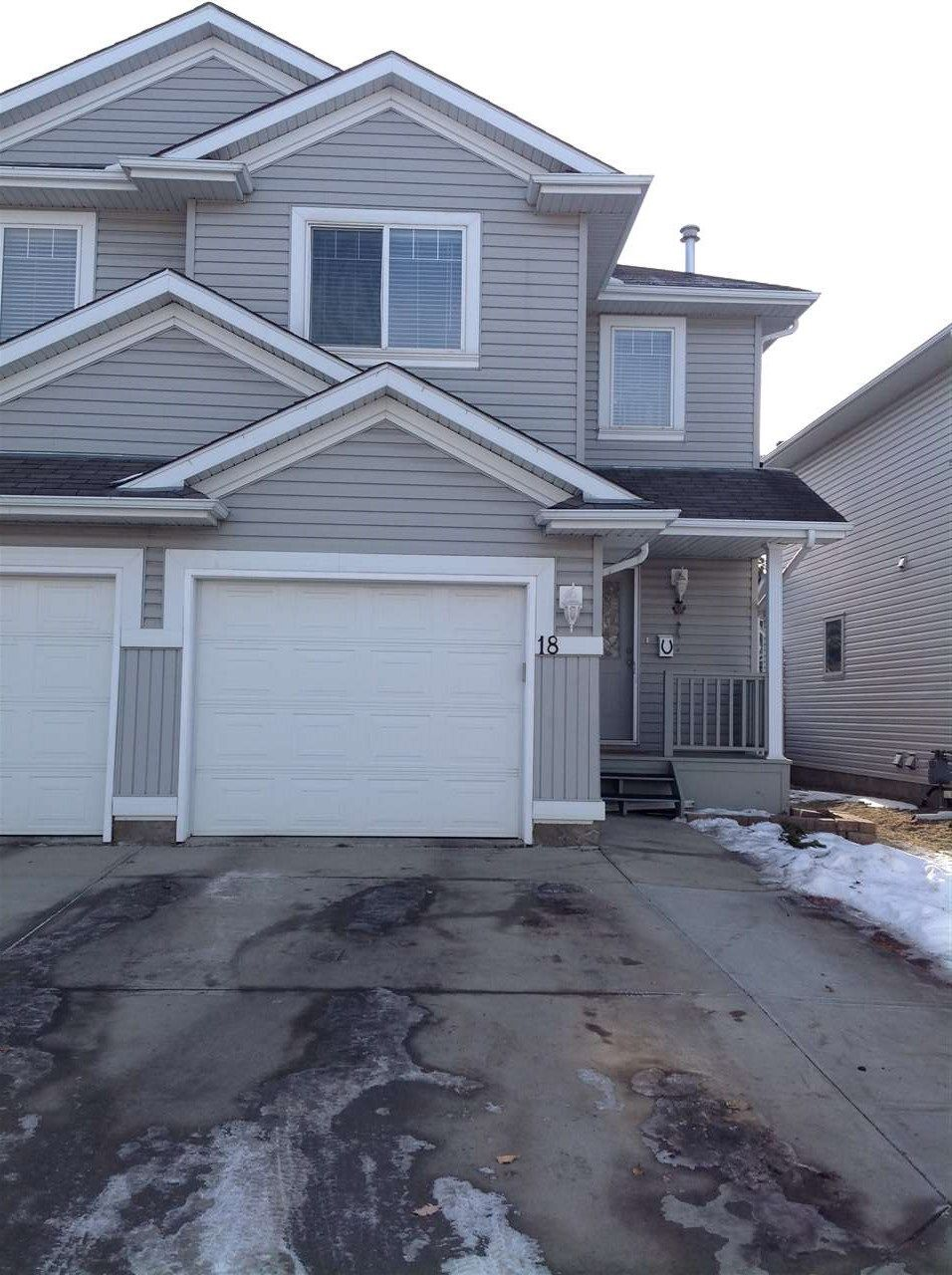 Main Photo: 18, 13403 CUMBERLAND Road in Edmonton: Zone 27 House Half Duplex for sale : MLS®# E4235361