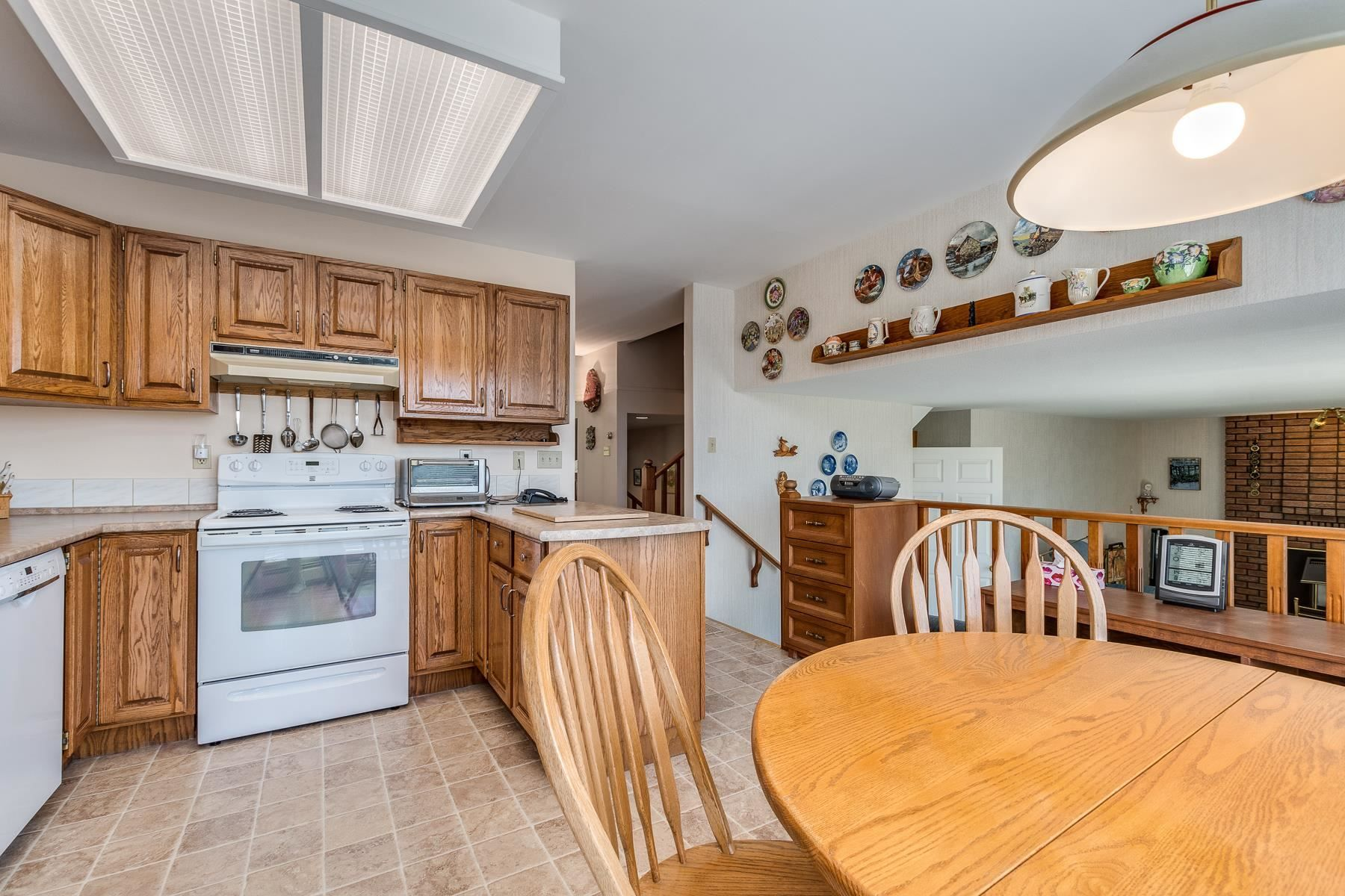 """Photo 12: Photos: 378 BALFOUR Drive in Coquitlam: Coquitlam East House for sale in """"DARTMOOR HEIGHTS"""" : MLS®# R2600428"""
