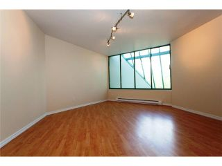 """Photo 4: 2227 OAK Street in Vancouver: Fairview VW Townhouse for sale in """"THE SIXTH ESTATE"""" (Vancouver West)  : MLS®# V849884"""