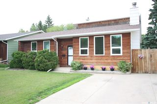 Photo 1: 134 Tobin Crescent in Saskatoon: Lawson Heights Residential for sale : MLS®# SK860594