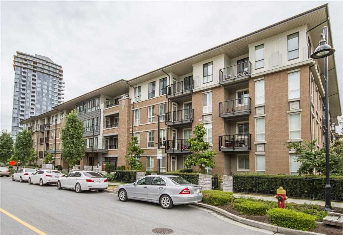 """Photo 1: Photos: 403 3107 WINDSOR Gate in Coquitlam: New Horizons Condo for sale in """"Bradley House at Windsor Gate"""" : MLS®# R2352477"""