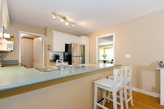 "Photo 14: 40 8675 WALNUT GROVE Drive in Langley: Walnut Grove Townhouse for sale in ""CEDAR CREEK"" : MLS®# F1110268"