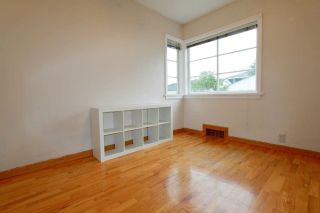 Photo 11: 3744 LINWOOD Street in Burnaby: Burnaby Hospital House for sale (Burnaby South)  : MLS®# R2603396