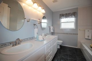 """Photo 11: 21831 44A Avenue in Langley: Murrayville House for sale in """"Murrayville"""" : MLS®# R2163598"""