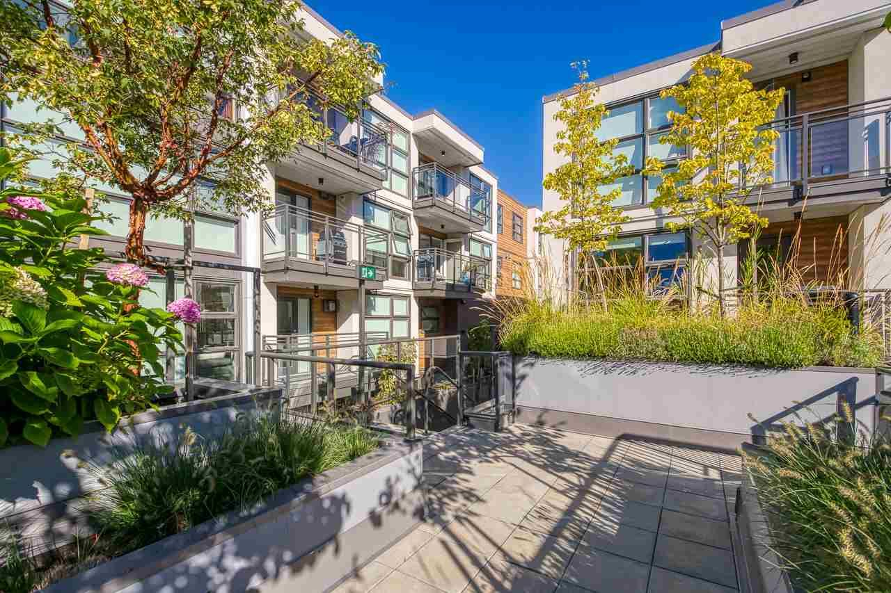 """Main Photo: 307 1160 OXFORD Street: White Rock Condo for sale in """"NEWPORT AT WESTBEACH"""" (South Surrey White Rock)  : MLS®# R2548964"""