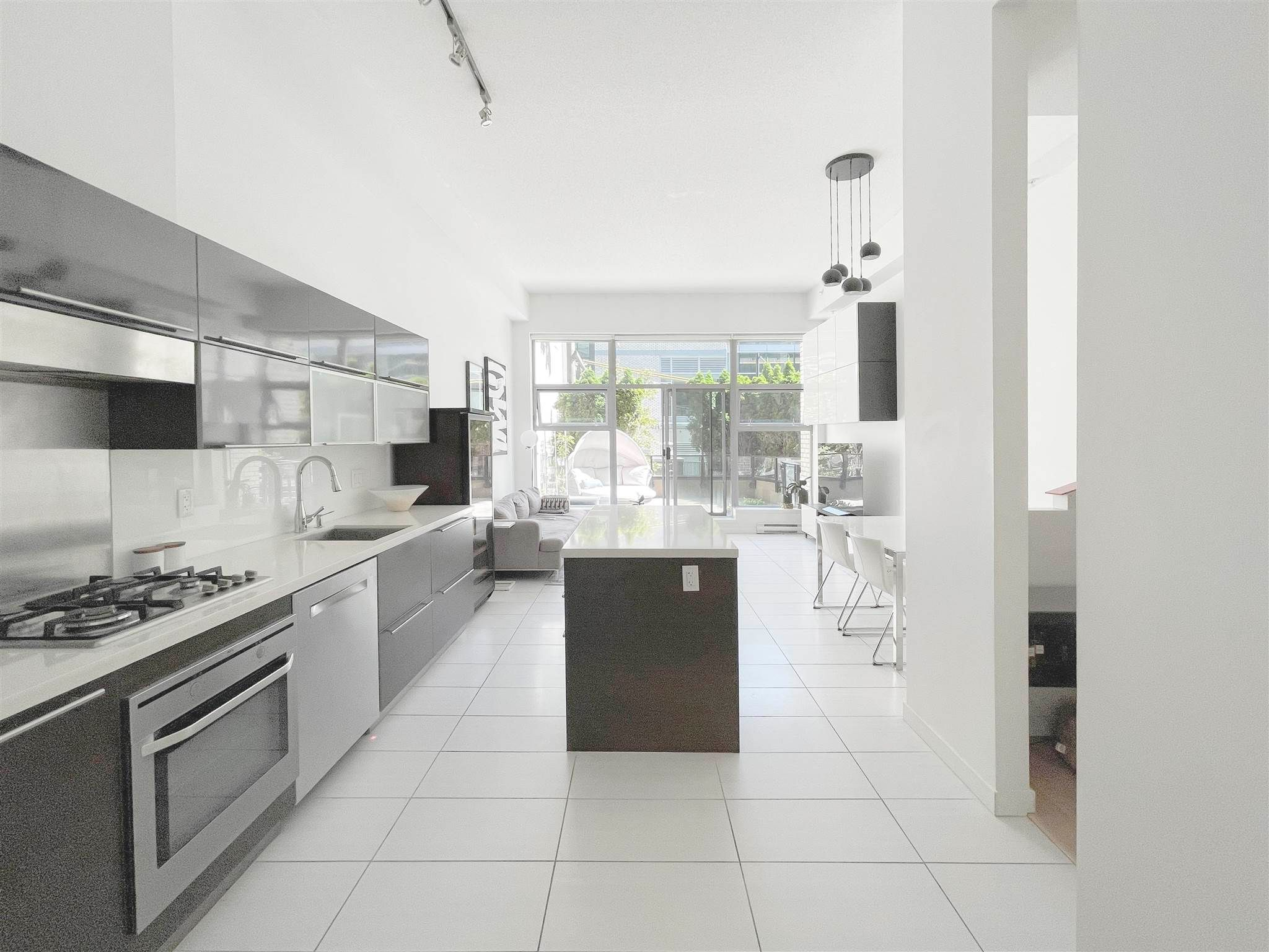 """Main Photo: 101 1252 HORNBY Street in Vancouver: Downtown VW Condo for sale in """"PURE"""" (Vancouver West)  : MLS®# R2604180"""