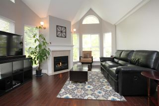 """Photo 2: 203 12088 66 Avenue in Surrey: West Newton Condo for sale in """"LAKEWOOD TERRACE"""" : MLS®# R2382551"""
